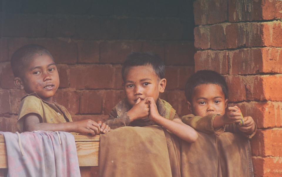 poverty 2035694 960 720 - Besorgniserregender Plagenausbruch betrifft acht Menschen in Madagaskar